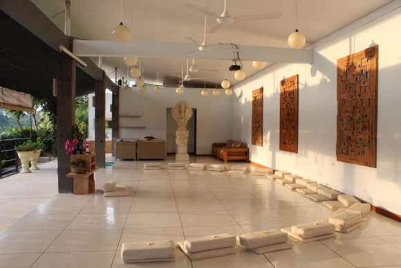 blooming lotus yoga review, Bali retreat
